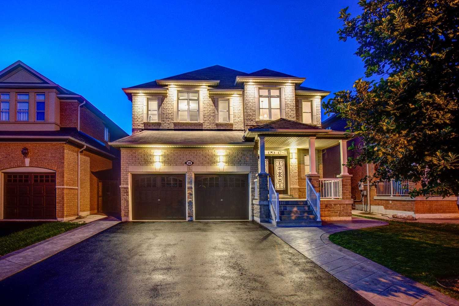 18 Petticoat Rd Vaughan Ontario L6a0l9 House Townhouse